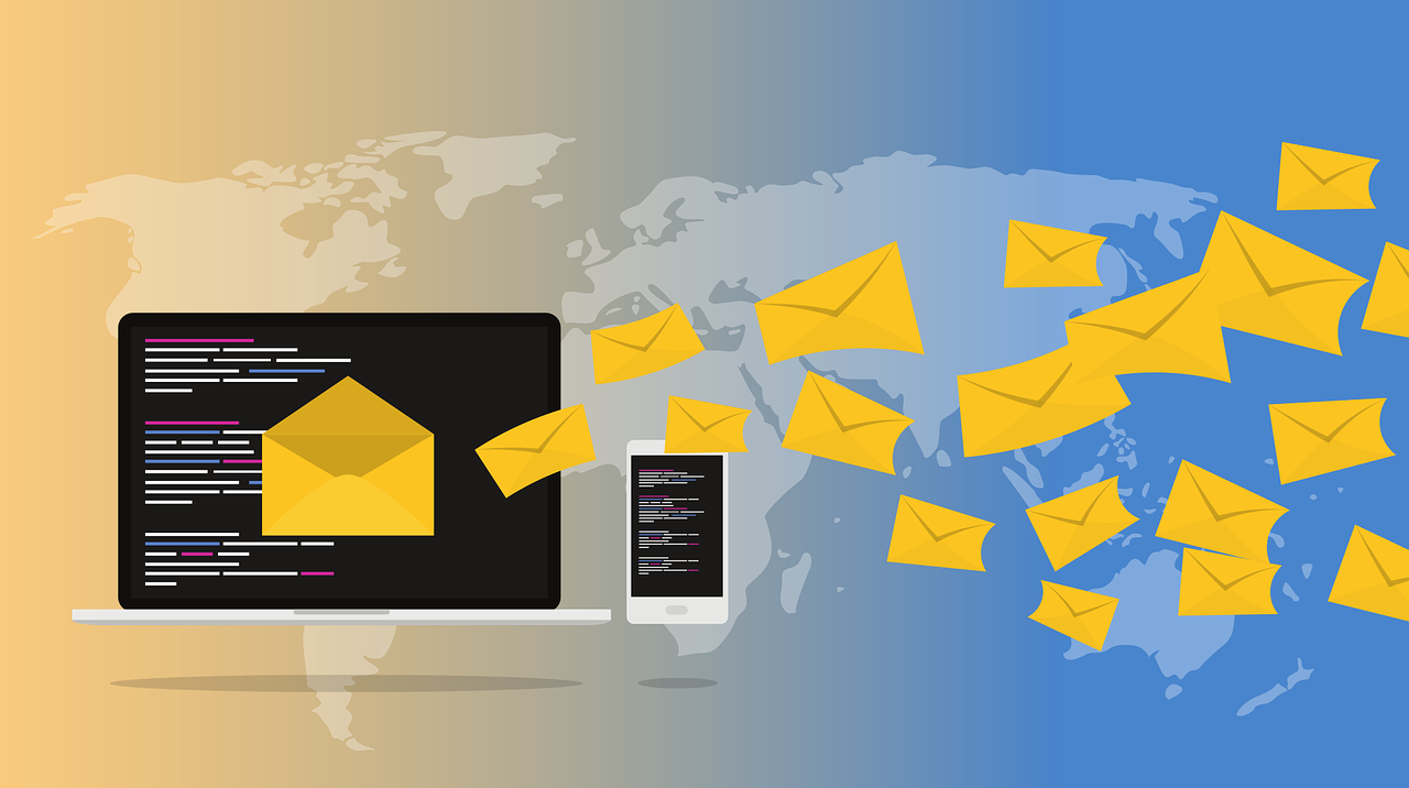 What problems can arise when using the mass mailing service and how to avoid them